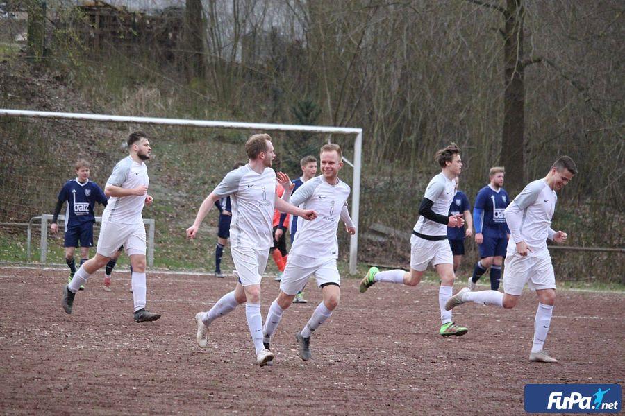 SV Schnathorst festigt durch 2:1 (0:0) gegen BSC Blasheim Mittelfeldplatz